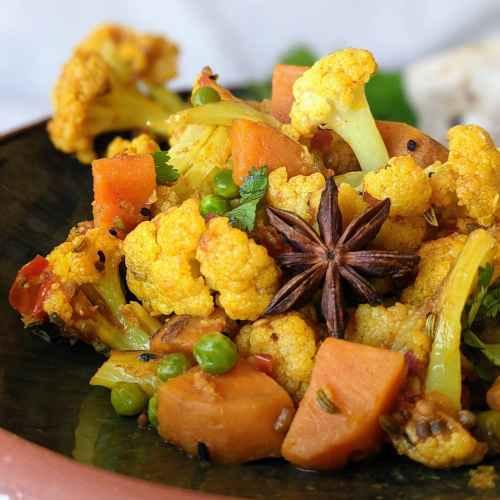 Cauliflower with Sweet potato & peas